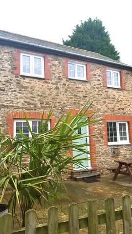 Kestrel Cottage - Ilfracombe - House