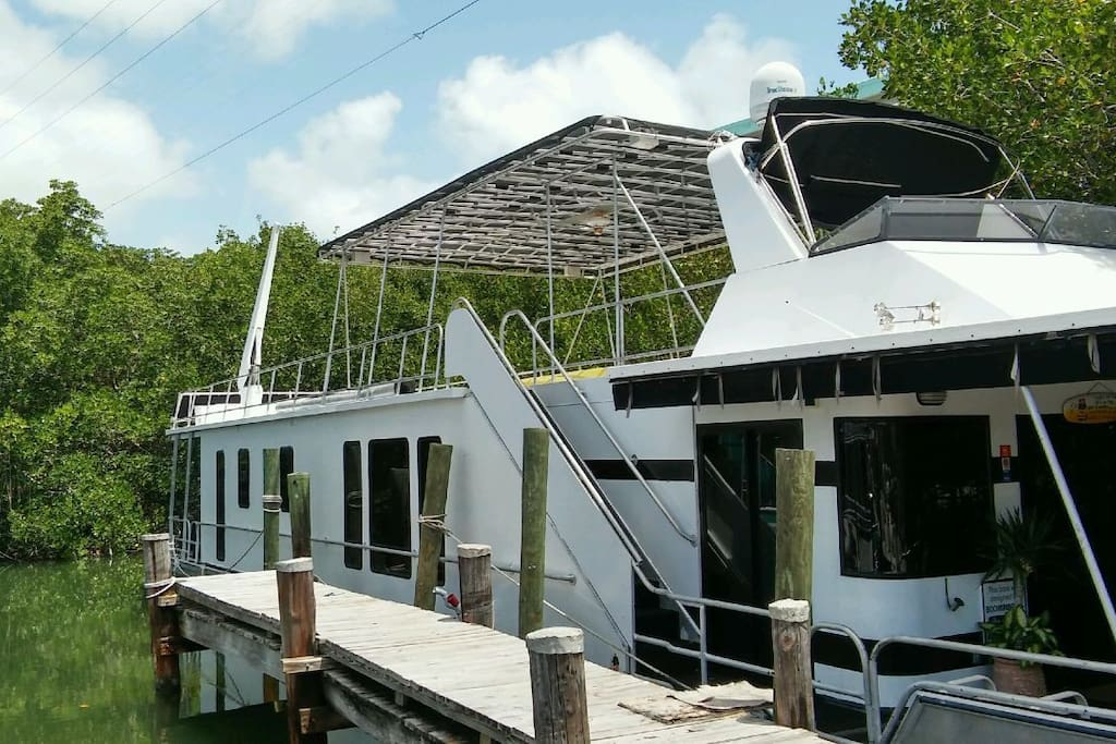 70' House Boat