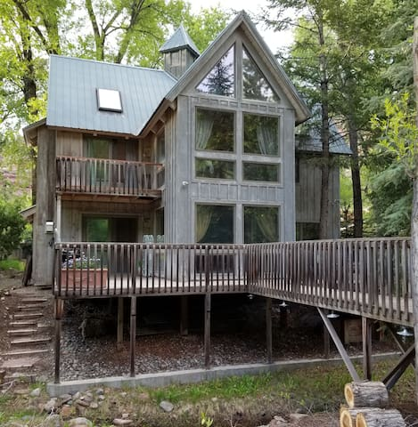 Warm and Friendly Riverfront Cabin