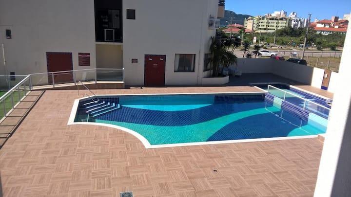 Apartamento - Ingleses Florianópolis/SC-50m-Praia