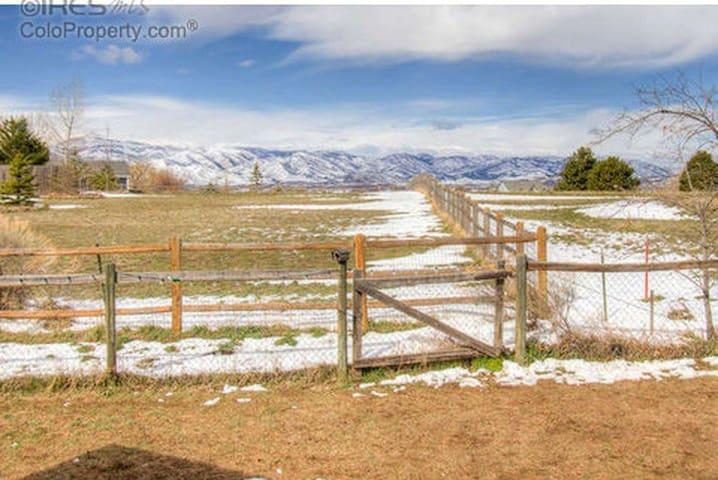 Quiet Country Retreat Close to Town - Fort Collins - House