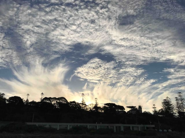 Another stunning cloud formation, at the close of another beautiful day at Swan Bay Views.