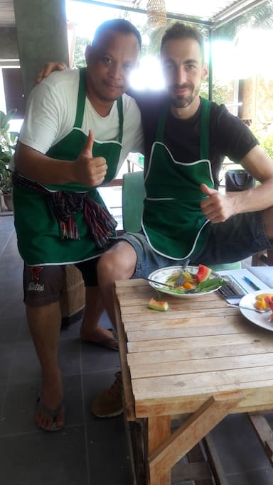 Cooking school at meechok organic home.