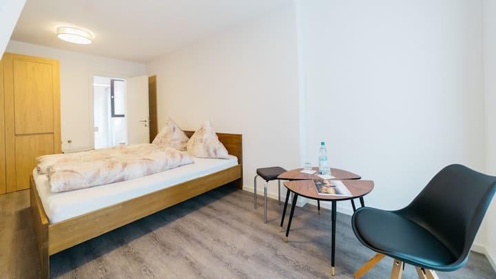 Hotel SEEADLER, (Friedrichshafen), Doppelzimmer franz. Bett
