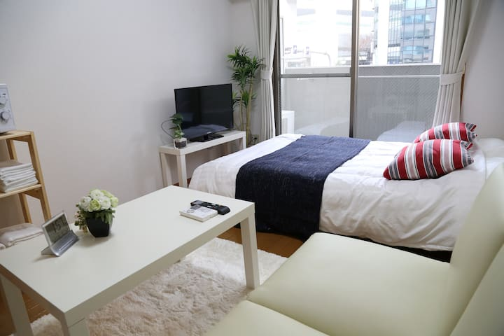 No Charge!!Next to OCAT Namba Sta+WIFI TV 2-4ppl - Osaka-shi