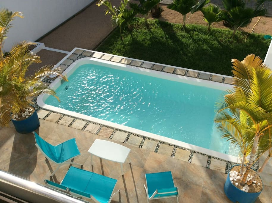 Great new villa with swimming pool in pereybere holiday for Swimming pool mauritius