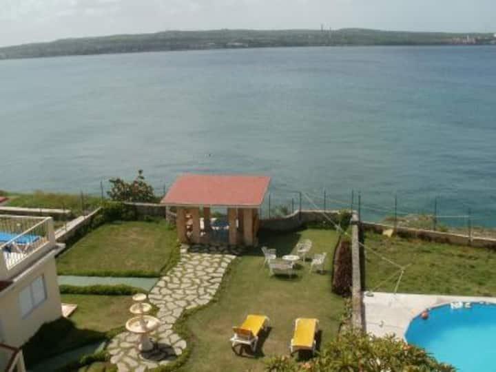 Villa Costa Azul (Ocean view private rooms)