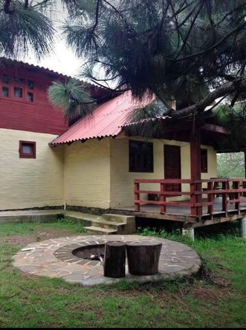 Anhelo House