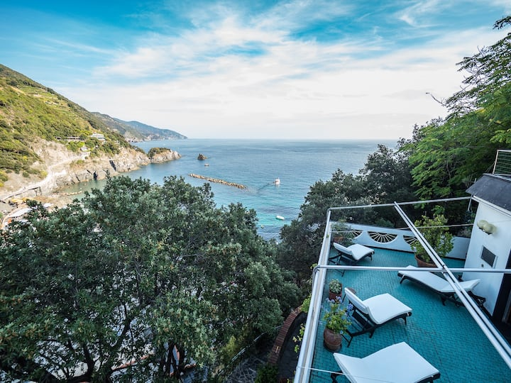 Villa Tanca with Terrace and Views