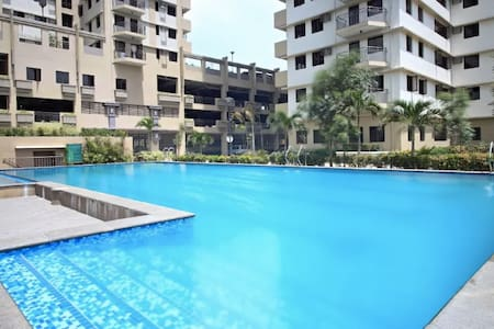 Penthouse Private Room Swimming Pool by Fort BGC B - Taguig - Osakehuoneisto