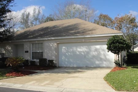 Paradise Woods 3/2 pool home property, fully furnished, with full kitchen, and all linens and towels. - DAVENPORT - House