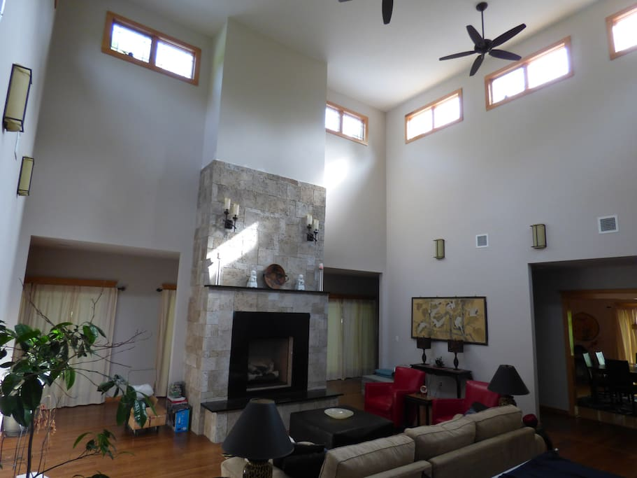 22 Ft High Ceiling Great Room