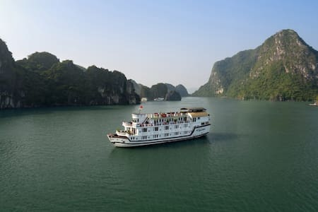 Spetacular Halong tour 2 Days on Paloma Cruise 4*