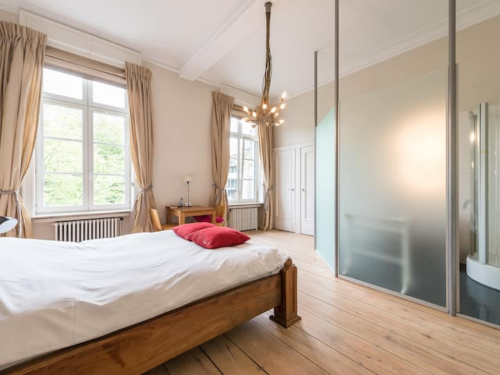 Beautiful Keyser Carel room in CoHousing LivingLei