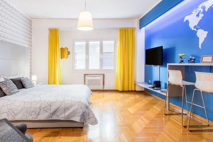 Boutique Studio near Temple of Olympian Zeus