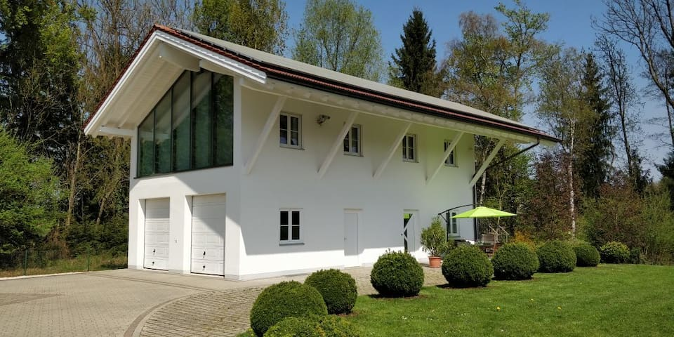 """Ferienwohnung """"Schmuckkastl"""" im Chiemgau"""