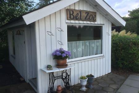 Svalereden - luksus hytte med hygge i massevis - Tjele - Kulübe
