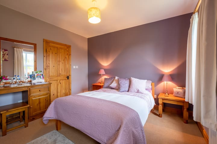 Double bed, own bathroom, Wild Atlantic Way Barna