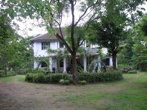 """Pathanara House"" - Your Getaway Retreat"