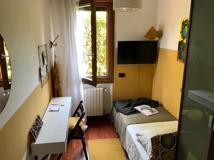 Casa Alliz-3 km dal centro storico-stanza singola