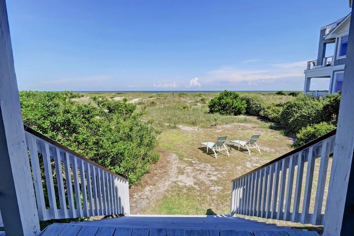 Beautiful Beachfront House in Wrightsville Beach