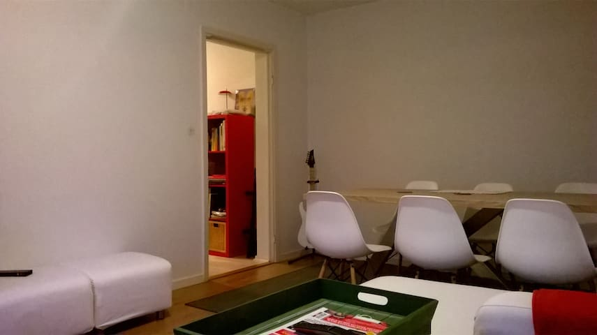 Cozy apartment with balcony close to the center! - Norrköping - Lägenhet