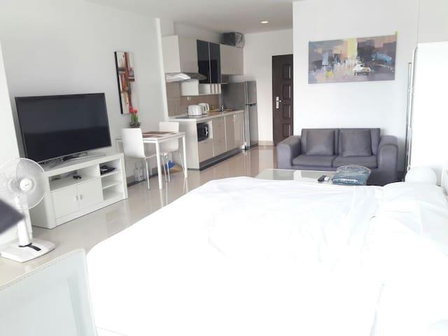 View Talay 7 Beachfront Condominium