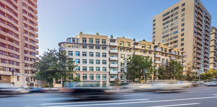 Stunning  JR 1 Bedroom in Beautiful Westwood 5 Star Building + 24 Hour Building Concierge - 04