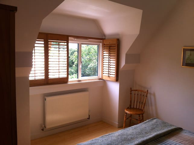 Private loft conversion suite with a view. - Eynsham - Hus