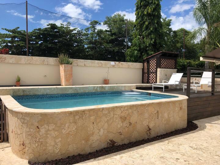 3 bdr villa w/private pool, Hac del Club sleeps 8