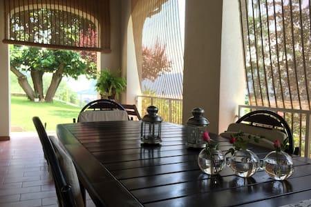 villa vista lago-camera - Villongo - Bed & Breakfast