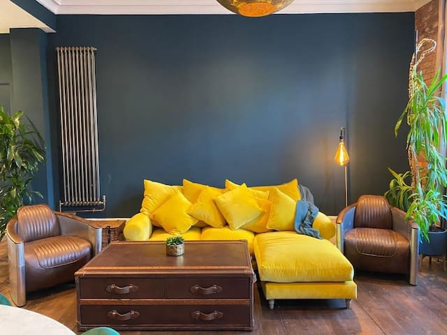 Short Term Rental in a Stylish One Bedroom Flat