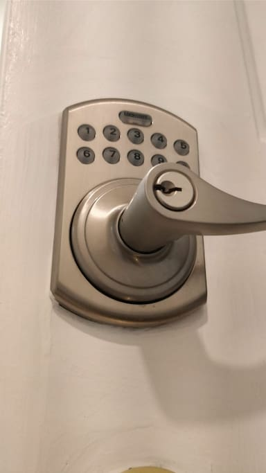 Automated lock on the entrance door of the Urban Townhouse