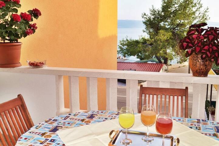 Marinero 3 beach apartment, sea view- GREAT PRICES
