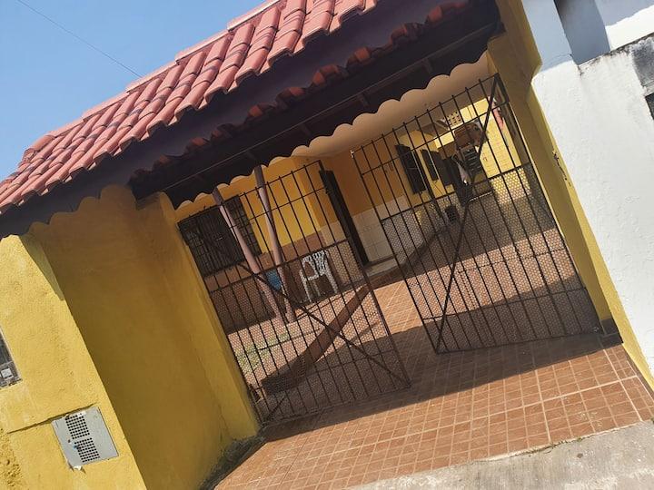 Casa em peruibe 800 mtrs da praia 15997073135