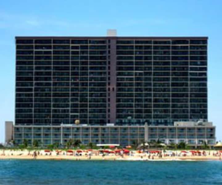 Beautiful Oceanfront Condo - Carousel Resort