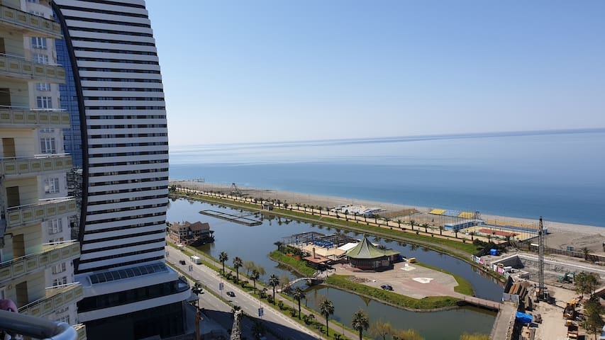 Tremendous views of the sea and fountains