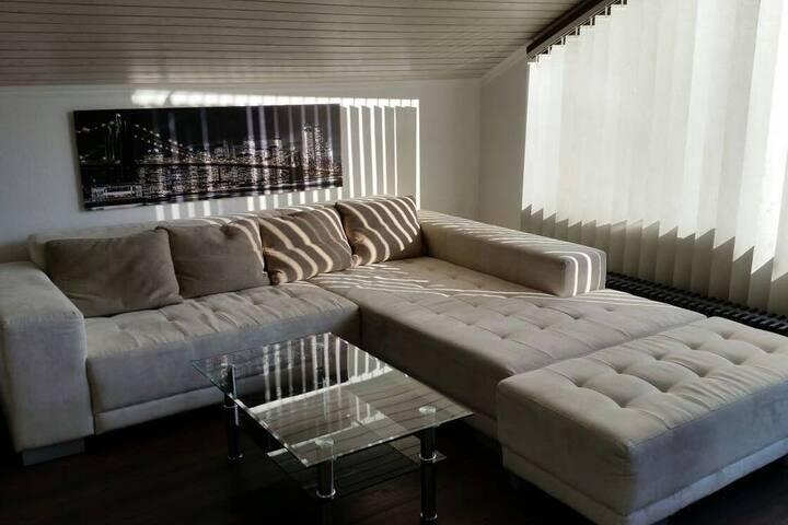 Exclusives Dachgeschossappartement in BB