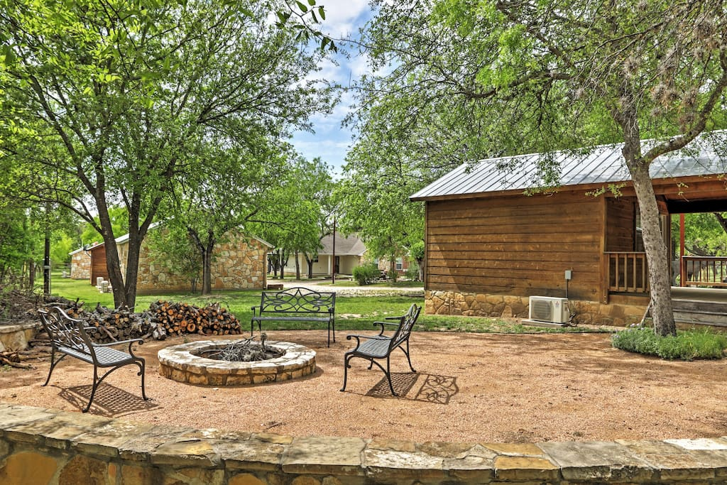 The community amenities offer outdoor fun!