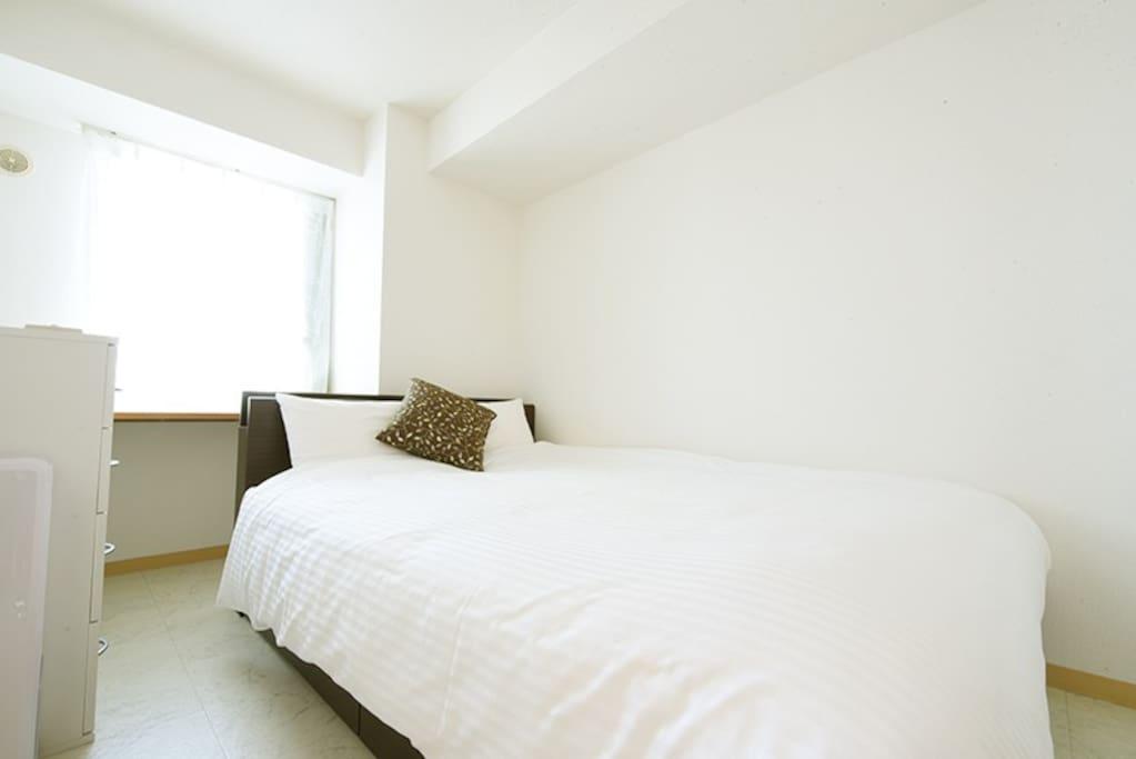 Bedroom 2 : 1 double bed