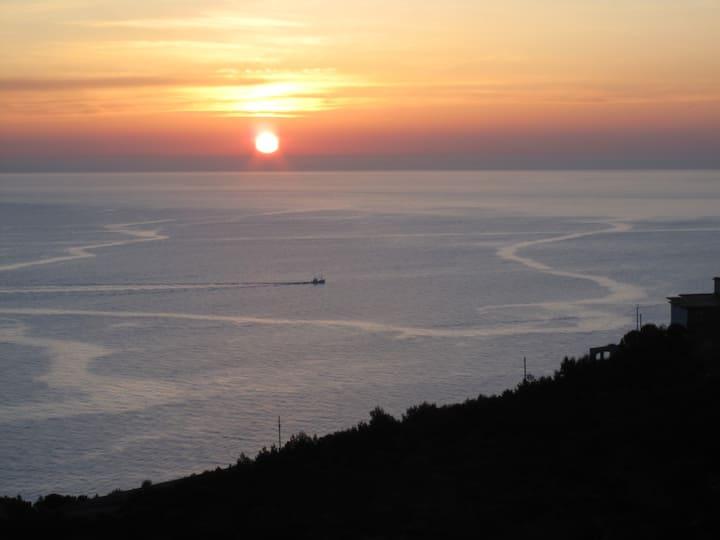 Tranquilidad y disfrute frente al mar de Dénia