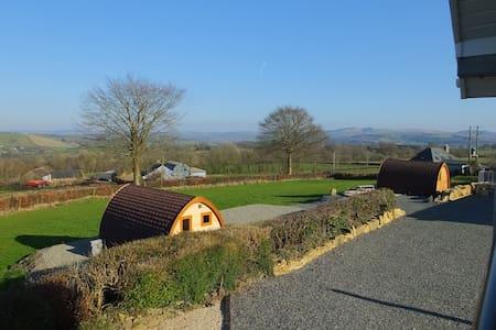 Winllan Farm Holidays  Pod 2