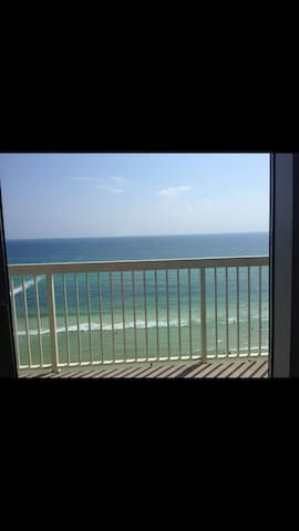 Beautiful beach condo for rent !
