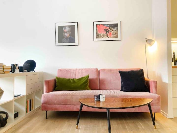 Cozy, modern studio apartment close to city centre