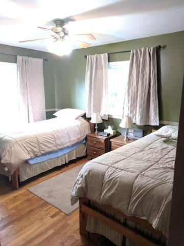 Twin Bedroom- Main Floor