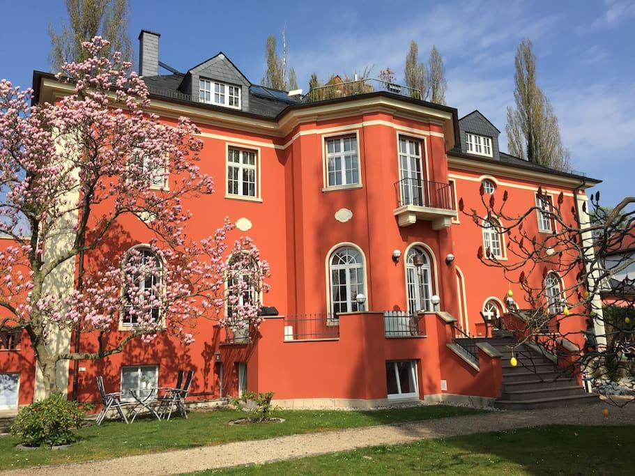 Aussenansicht Villa