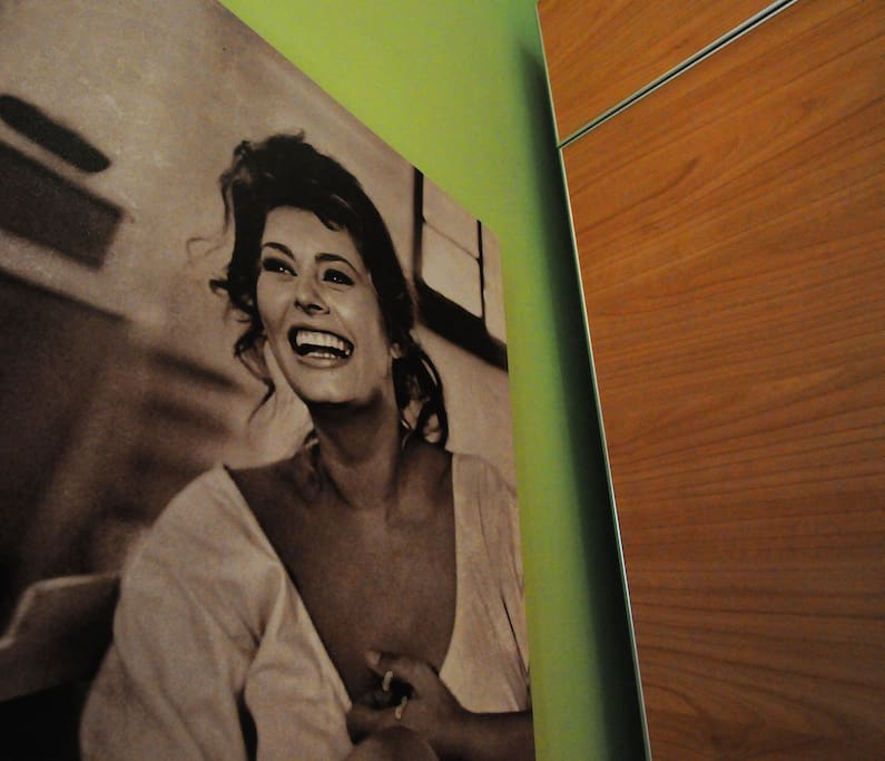 Sofia Loren picture in the kitchen