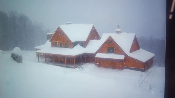 Incredible stratton mountain ski compound