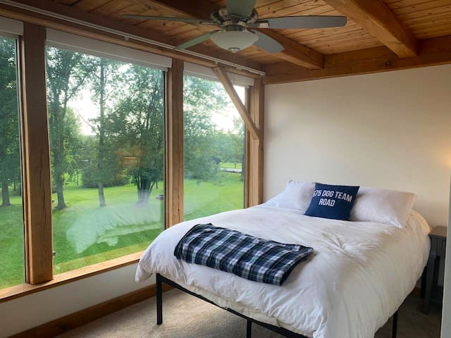 Bedroom 4: Queen bed with amazing Green Mountain views, desk, closet and dresser on second floor