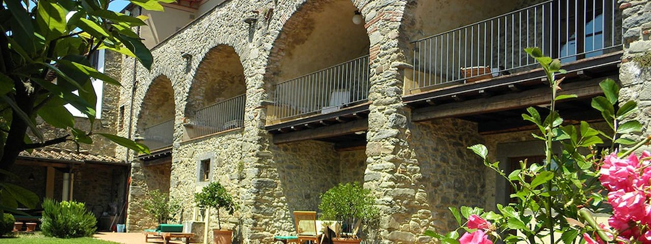 Tuscan Palazzo Villa B, Bagni Di Lucca, LUCCA - Lugliano - Leilighet